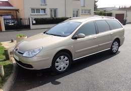 C5 break 2.2l HDI 136 cv  BVA pack ambiance, sable des langrunes/2004