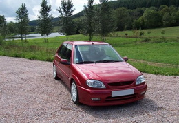 Saxo VTS 16V / Rouge Lucifer / 2002