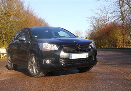DS4 HDI 160ch Sport Chic,  Noire Perla Nera + pack Dark Chrome + hifi + MyWay/2012