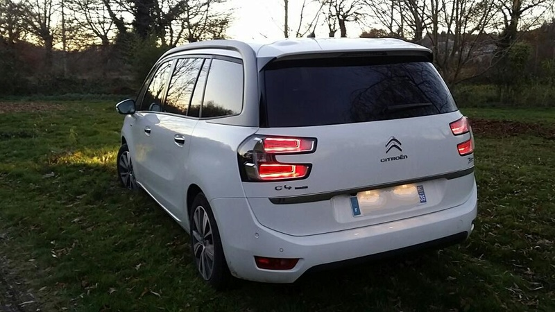 Grand C4 Picasso II, BleuHDI 120, S&S, sans option, Exclusive sans option, Blanc banquise/2015