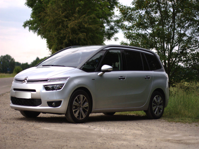 Grand C4 Picasso II 2.0 BlueHDI exclusive Couleur gris aluminium + sellerie cuir tissu ardoise Pack Drive Assist 3 + Alarme/2013